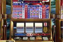 Play Red, White and Win Slots now!